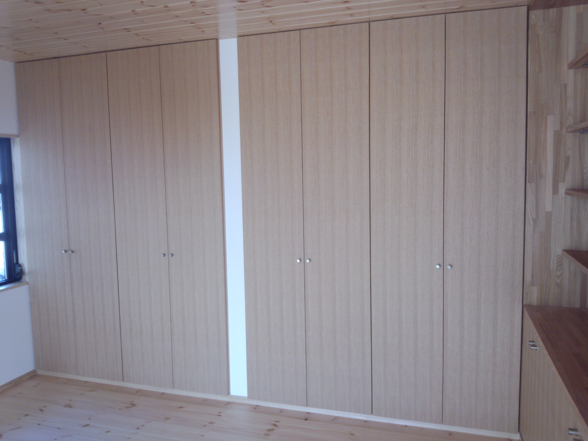 【H25/12/28】 収納家具・物入れ収納   サイトウ工芸社